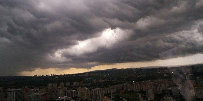 Ankarada fırtına! Böylesi görülmedi