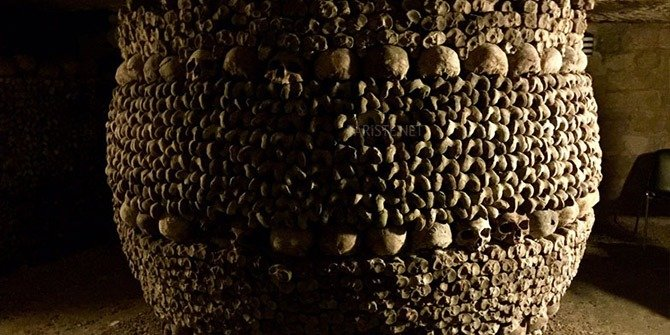 Paris'te Yeraltı Mezarı: Catacombes de Paris
