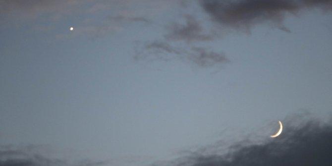 """Gökyüzü """"15 Temmuz'a"""" eşlik etti! Ay ve Yıldız yan yana"""