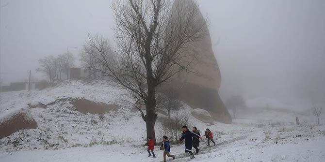 Kapadokya'da kar yağışı ve ardından etkili olan sis, güzel görüntül