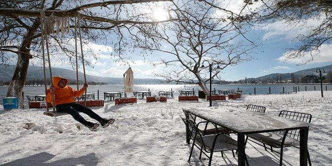 İzmir'den kar manzaraları görenleri şaşırttı!