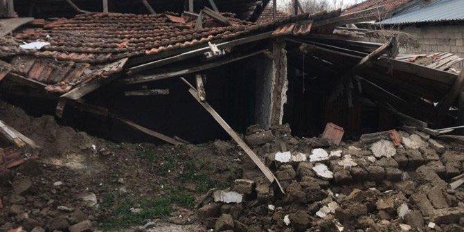 Denizli'de deprem sonrası ilk görüntüler