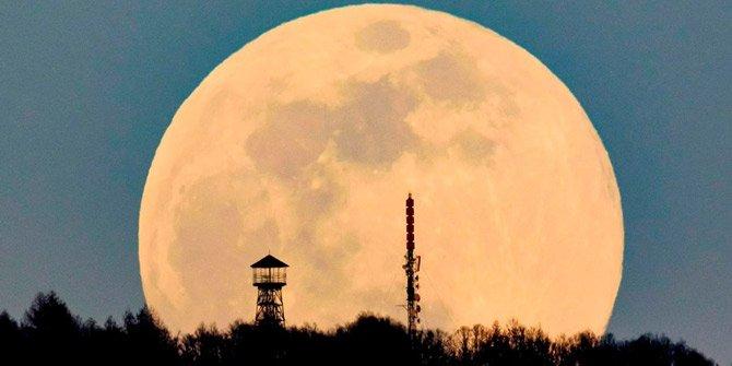 Süper Ay dün gece görüntülendi