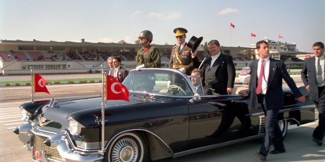 8. Cumhurbaşkanı Turgut Özal'ın vefatının üzerinden 26 yıl geçti!