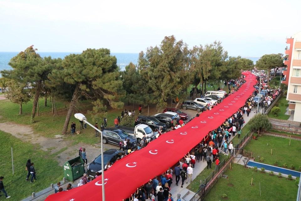Samsun'da 1919 metrelik dev bayrak yürüyüşü 1