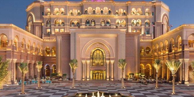 İhtişamın sembolü Emirates Palace 3 milyar dolar değerinde