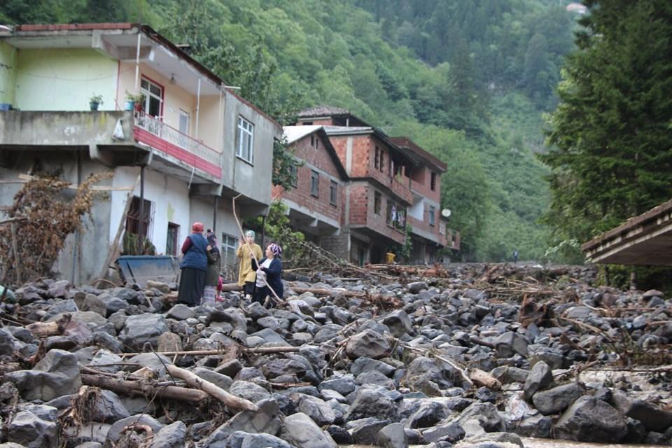 Trabzon'un Araklı ilçesindeki sel felaketi 1