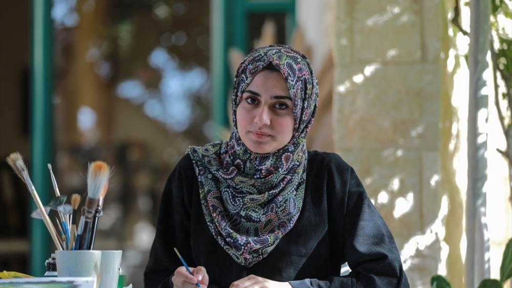 Filistinli genç kız asma yapraklrından sanat harikaları yaratıyor 10