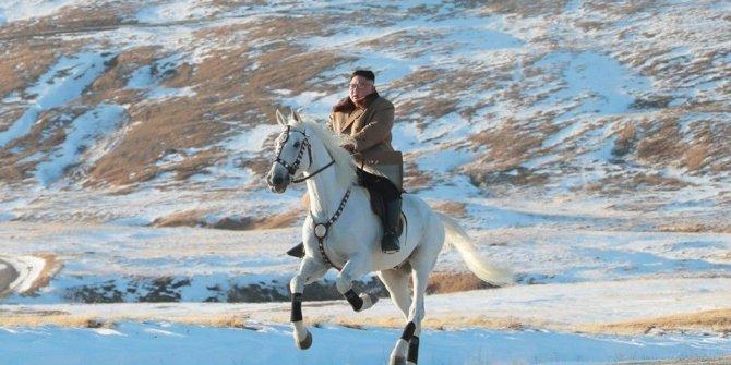 """Beyaz atıyla """"kutsal"""" dağa çıktı"""