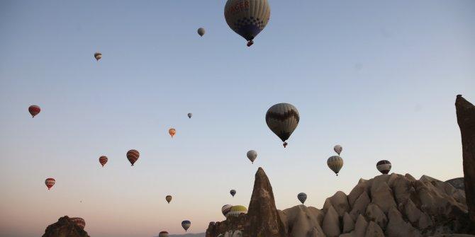 Seher vakti güzelliği balonlarla renkleniyor