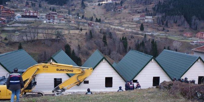 Uzungöl'de kaçak binaların yıkımına başlandı! (65 kaçak yapı)