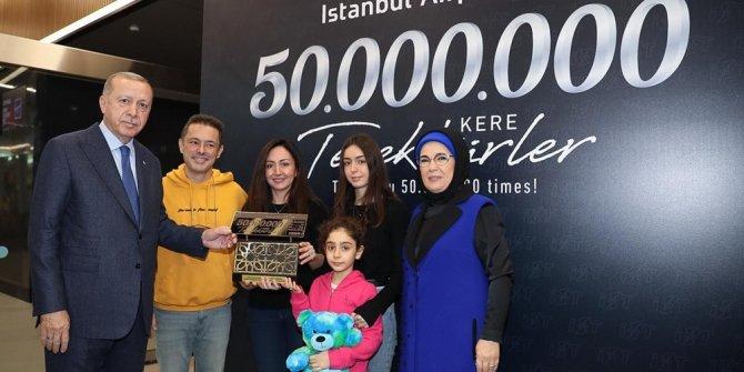 50 milyonuncu yolcuya Erdoğan'dan plaket