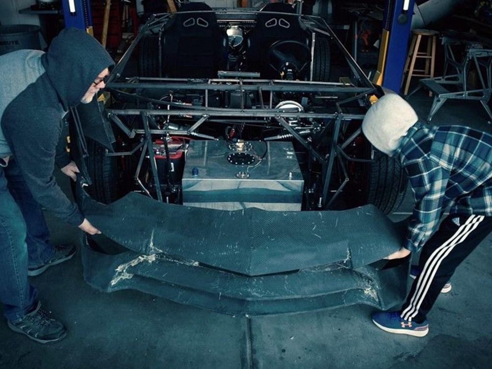 3D yazıcı ile Aventador üreten baba ve oğula unutulmaz sürpriz 1