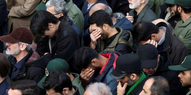 İran Kasım Süleymani için yas tutuyor