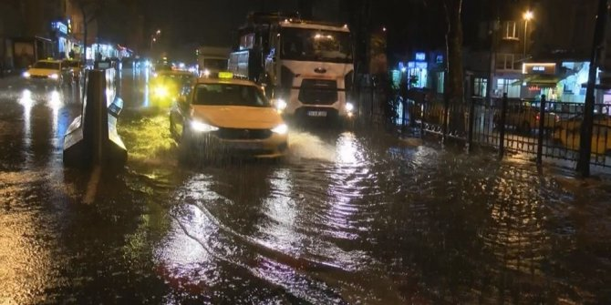 İstanbul hava durumu: Sağanak etkili oluyor, sabah trafiğinde yoğunluk