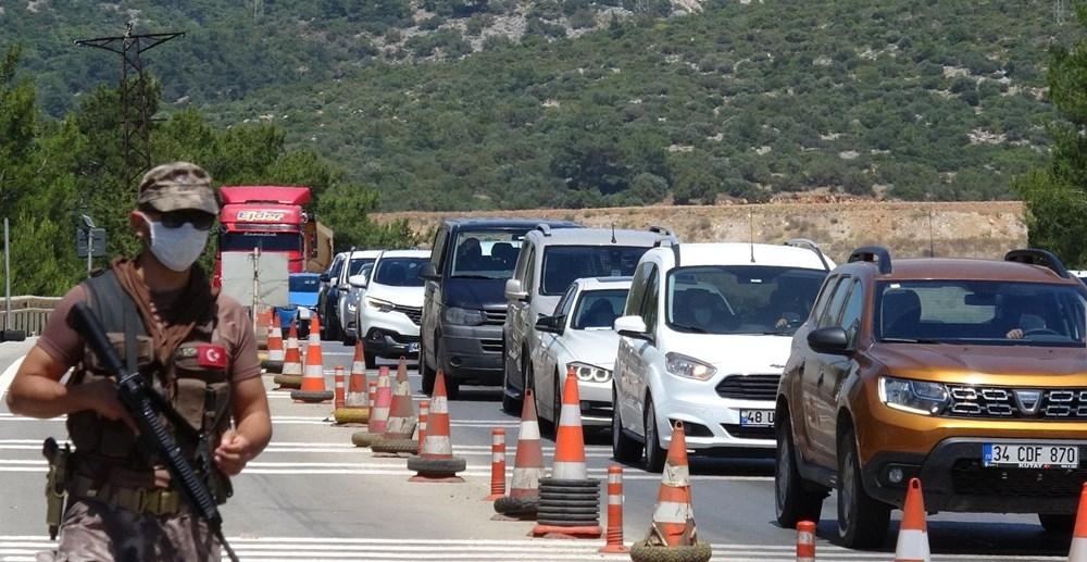 Bodrum'a yazlıkçı akını: Son 24 saatte 10 bin araç 1