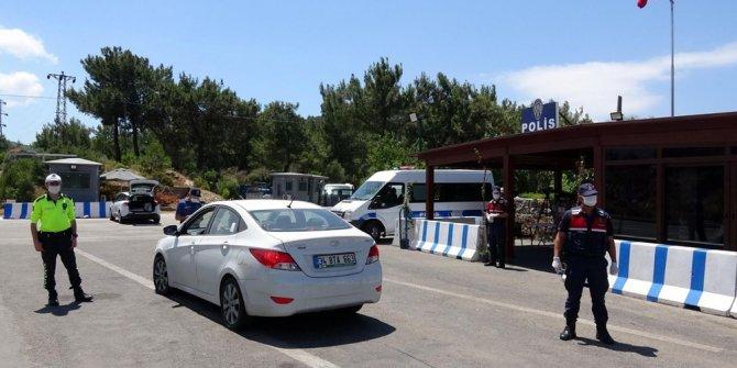 Bodrum'a yazlıkçı akını: Son 24 saatte 10 bin araç