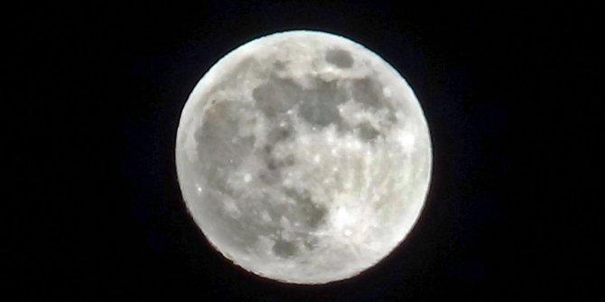 'Süper Ay' görenleri kendine hayran bıraktı