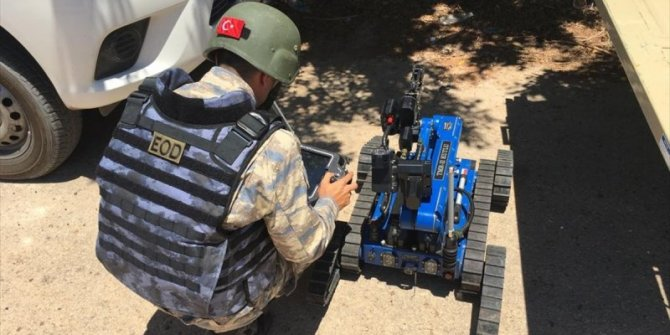 TSK, Libya'da milli teknolojiyle mayın temizliyor