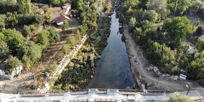 Aizanoi'nin ziyaretçileri nehirde kayıkla 'Antik Çağ'a yo