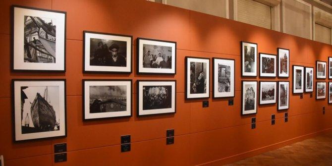 Ara Güler'in İzmir fotoğrafları sergisi yeniden ziyarete açıldı