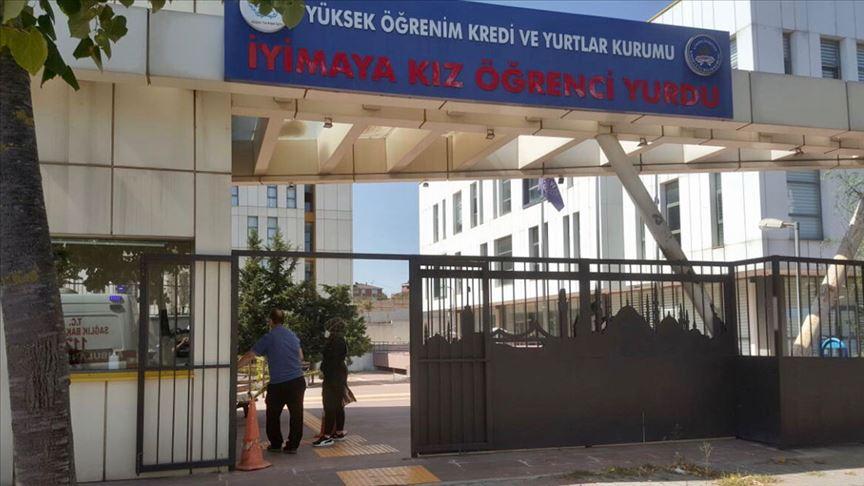 İstanbul'da karantina kuralını ihlal edenler yurtlara yerleştiriliyor