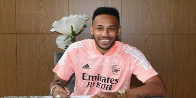 Aubameyang 2023'e kadar Arsenal'da