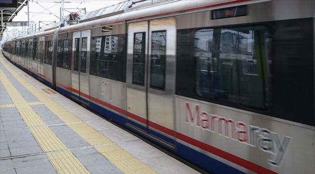 Marmaray'da kablolar yandı, seferler geçici olarak durduruldu
