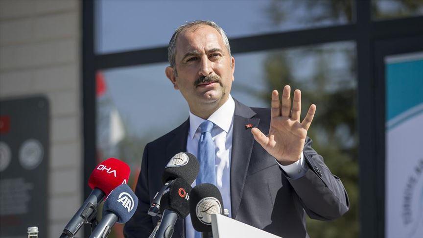 Adalet Bakanı Gül: Kimse toplum yargıçlığına soyunmasın