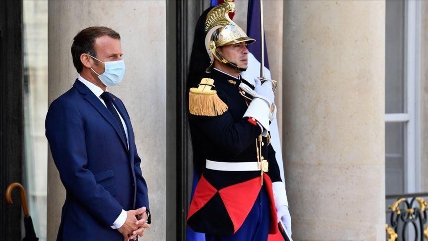 Fransa'da Macron'un partisinde yaprak dökümü