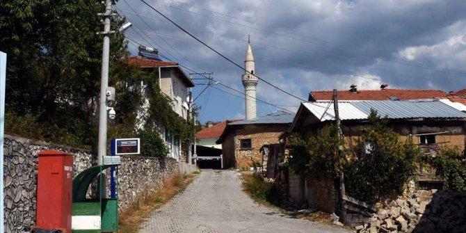 Bursa'da mahalleyi koruyan kamera sistemi öğrencilere de internet sağlıyor