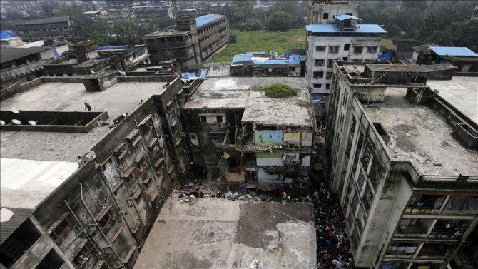 Hindistan'daki çöken binada ölü sayısı 35'e çıktı