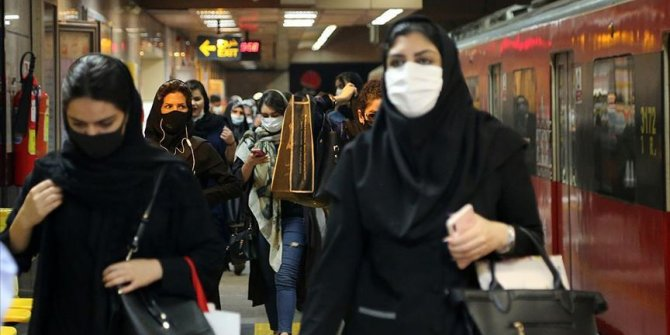 İran'da Kovid-19 vakaları eylülde en üst seviyeye çıktı