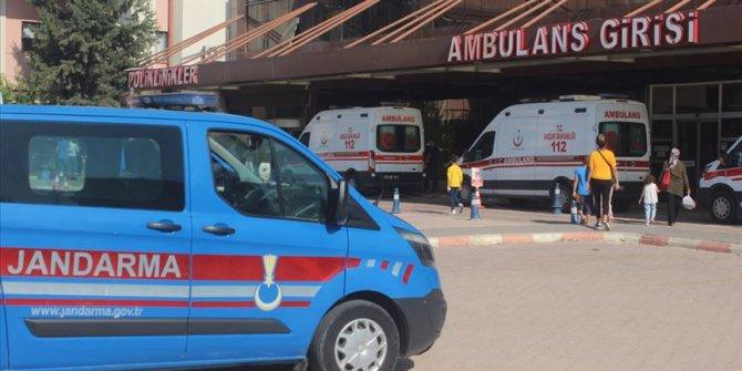 Kilis'te askeri araç devrildi, 5'i asker 16 kişi yaralandı