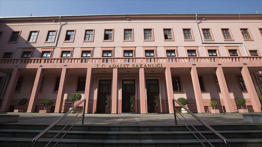 Adalet Bakanlığı: 289 darbe davasının 276'sı karara bağlandı