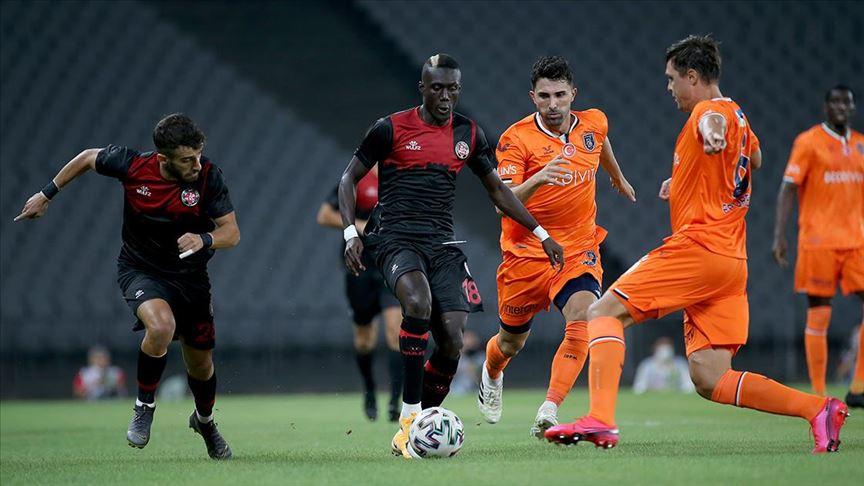 Başakşehir'i 2 golle geçen Fatih Karagümrük maç fazlasıyla lider