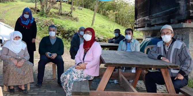 Kovid-19 nedeniyle iki ferdini kaybeden Sarı ailesinden 'maske, mesafe, hijyen' çağrısı