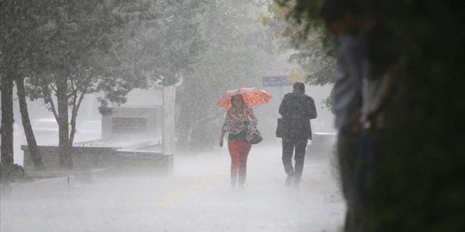 Meteorolojiden 'sağanak ve gök gürültülü sağanak' uyarısı