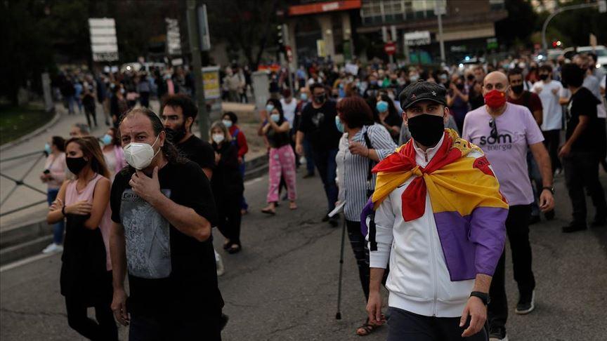 İspanya, Kovid-19 salgınına karşı tüm büyükşehirlere kısıtlamalar getiriyor