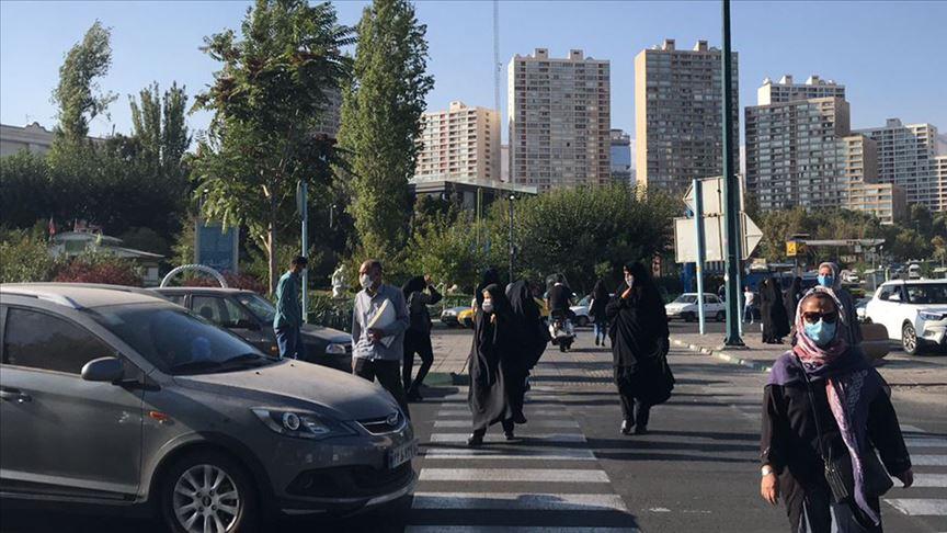 İran'da son 24 saatte Kovid-19'dan 211 kişi hayatını kaybetti