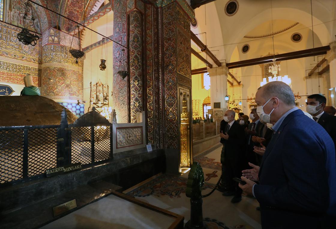 Cumhurbaşkanı Erdoğan cuma namazını Sultan Selim Camisi'nde kıldı