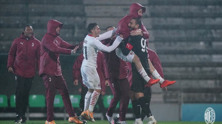 24 penaltı atışının kullanıldığı maçta gülen taraf Milan oldu