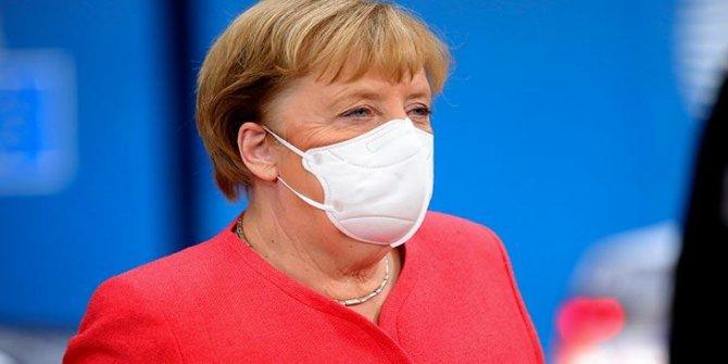Merkel'den vize serbestisi açıklaması: Aralık ayında...