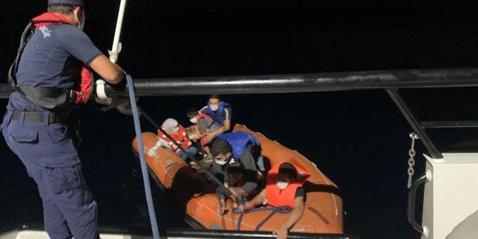 Muğla'da Türk kara sularına itilen 6 sığınmacı kurtarıldı