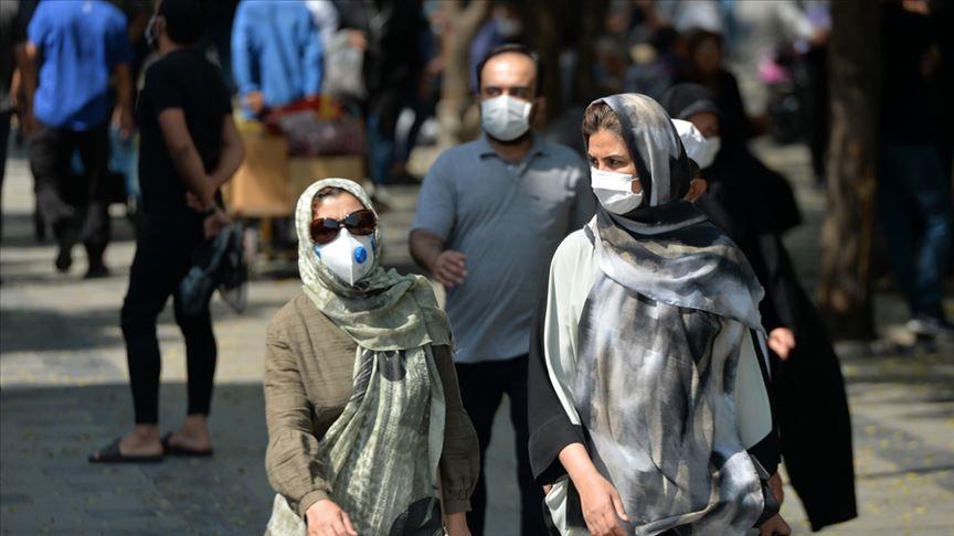 İran'da son 24 saatte 211 kişi Kovid-19'dan hayatını kaybetti