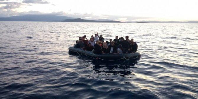 Yunan'ın Türk kara sularına ittiği 33 göçmen kurtarıldı