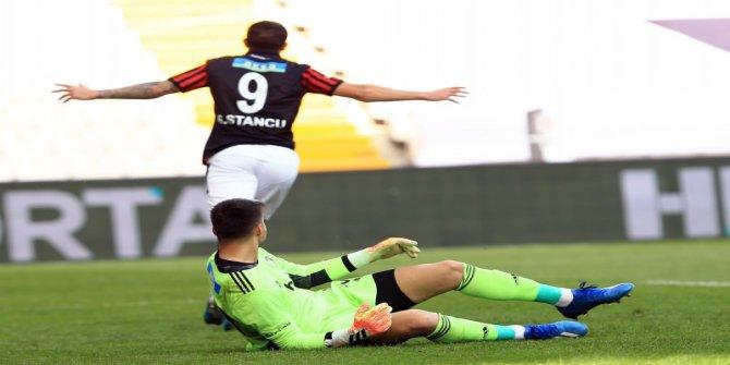 Beşiktaş tepetaklak! Bir darbe de Gençlerbirliği'den