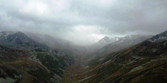 Kaçkar Dağı'nın zirvesi beyaza büründü