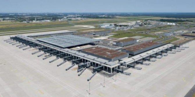 Almanlar, Berlin Brandenburg Havalimanı'nı 14 yılda tamamladı!