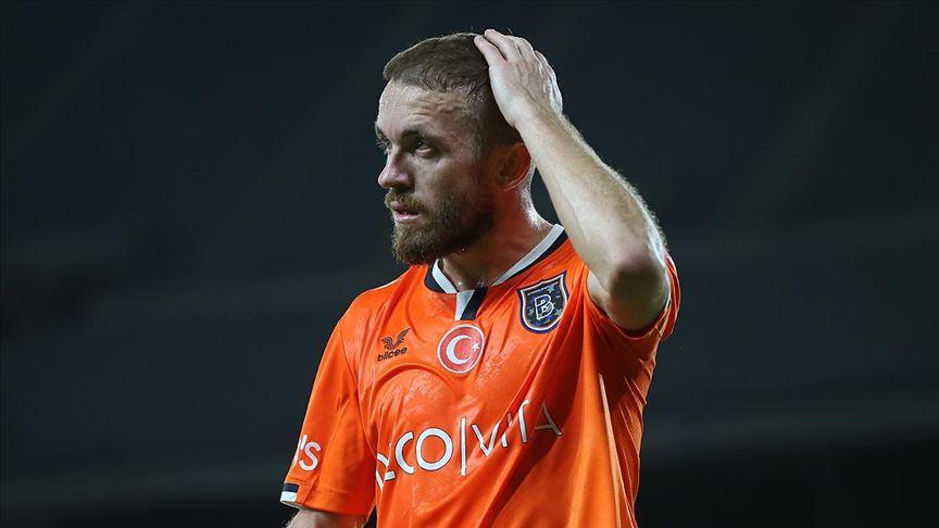 Başakşehir'de kaptan Edin Visca'nın sözleşmesi uzatıldı
